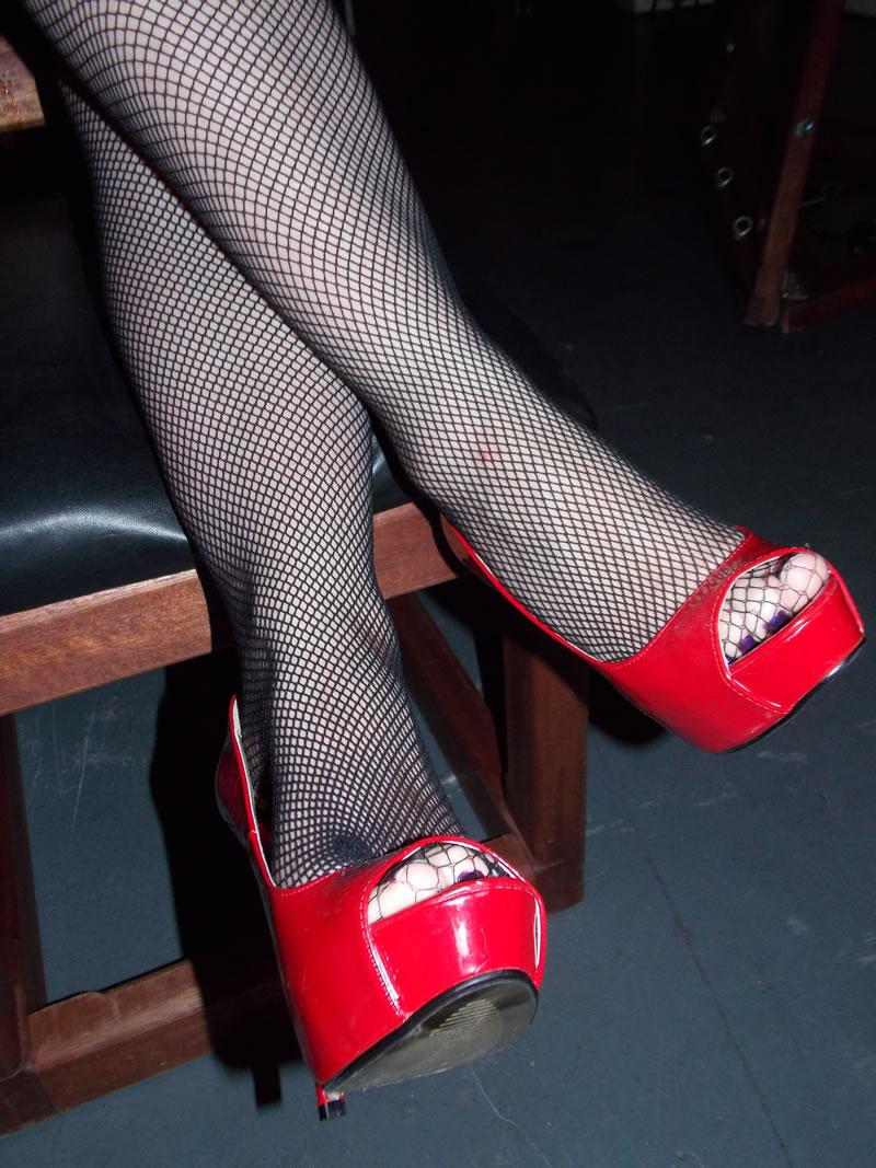 shoesbristoldungeonseptember2013129